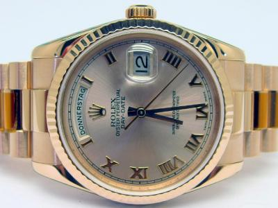 ROLEX DAY-DATE Chronometer Referenz 118235 in 18k Everose-Gold