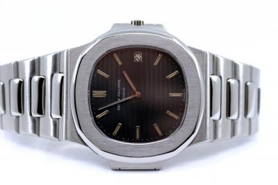 """PATEK PHILIPPE Vintage Jumbo NAUTILUS 