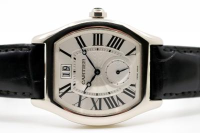 pre owned Cartier Tortue XL in 18k Whitegold