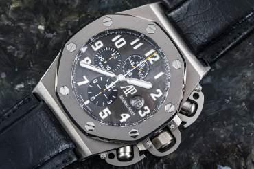 gebraucht Limitierte Audemars Piguet ROYAL OAK OFFSHORE - Arnold Schwarzenegger T3 Chronograph in Titan